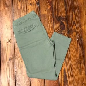 Old Navy Mid-Rise Pixie Ankle Pants